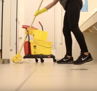 еженедельная уборка дома